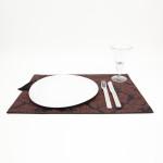 Serwetka pod talerz ze stylowym wzorem